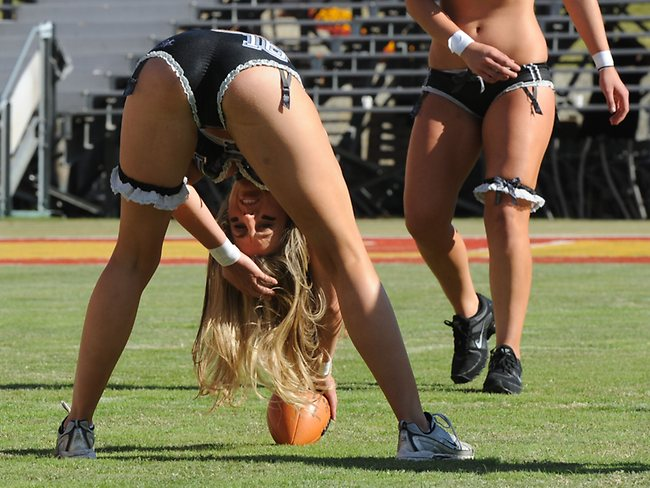 574741-us-lingerie-football