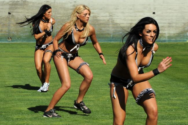 716370-lingerie-football-league