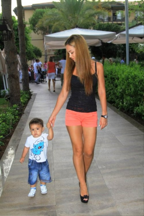 Walking-with-Christopher-Diego.-A-month-ago-Olga-gave-birth-to-a-second-son-Christian-Lucas-500x752