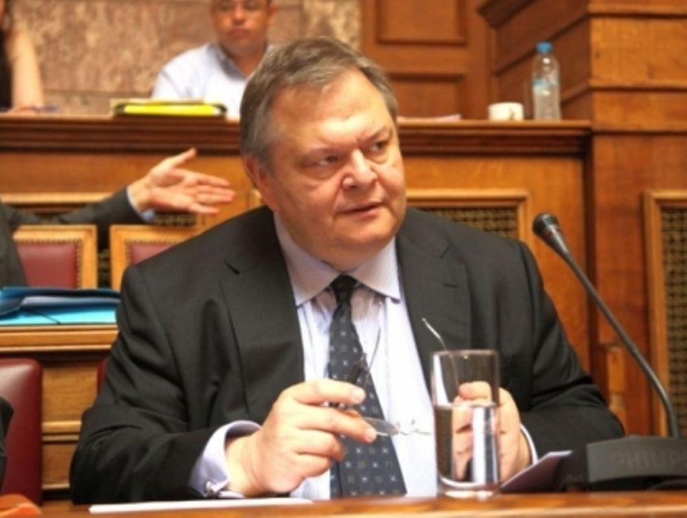 Βενιζέλος: «Ύφεση 3,9% φέτος»
