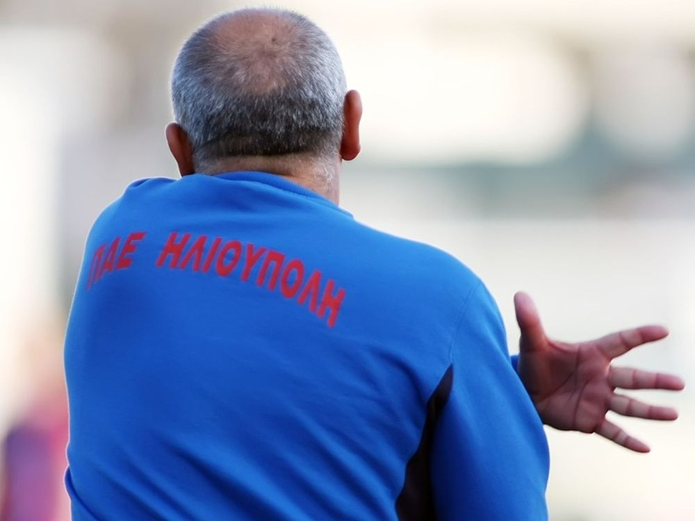 «Ποιος προπονητής;»