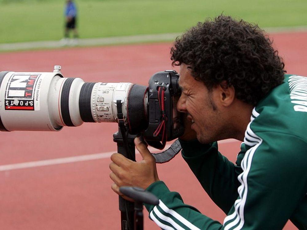 Ο Κλέιτον σε ρόλο φωτογράφου