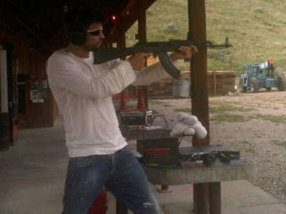 Πικέ: Κυκλοφορεί και οπλοφορεί