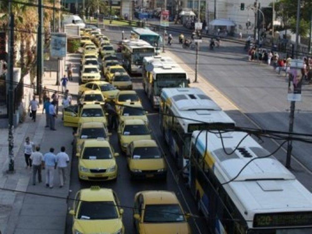 Επ' αόριστον η απεργία των ταξιτζήδων!