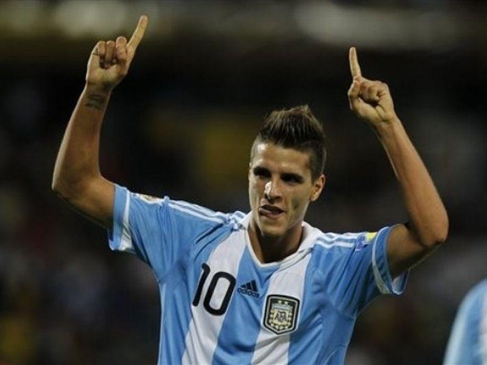 Με το... δεξί η Αργεντινή