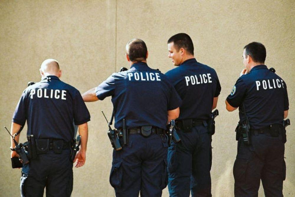 Εισβολή αστυνομικών στη γιορτή του Ωρωπού!