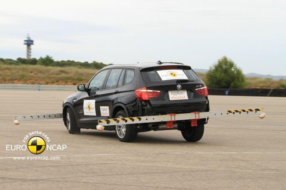 Πέντε αστέρια για BMW X3 στο Euro NCAP