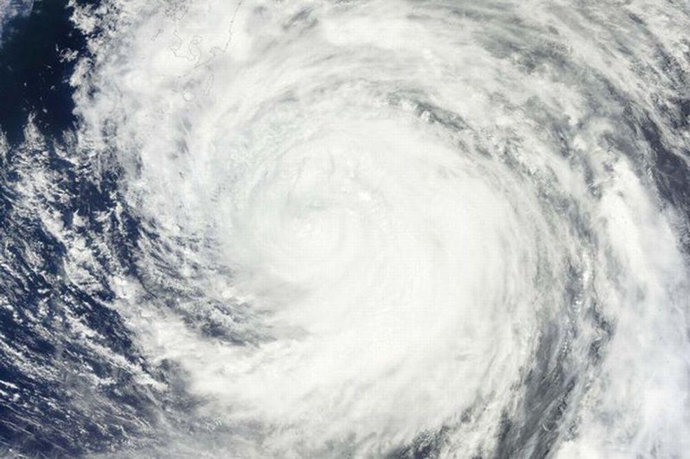 Προς αναβολή λόγω… τυφώνα!