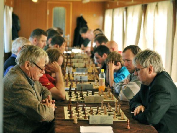 Τουρνουά σκάκι σε τρένο!