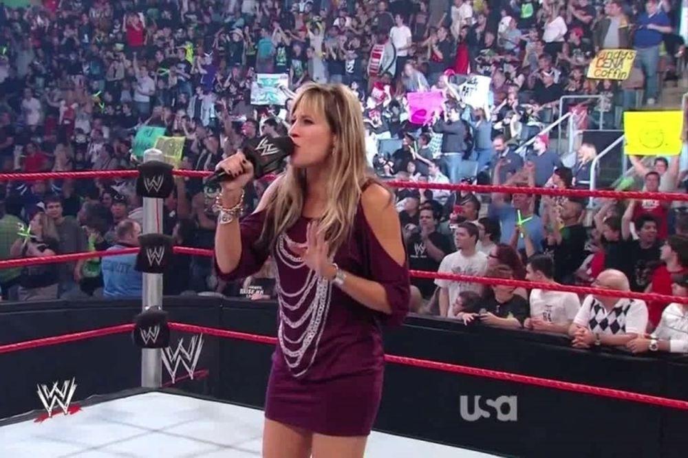 Επέστρεψε στο WWE η Lilian