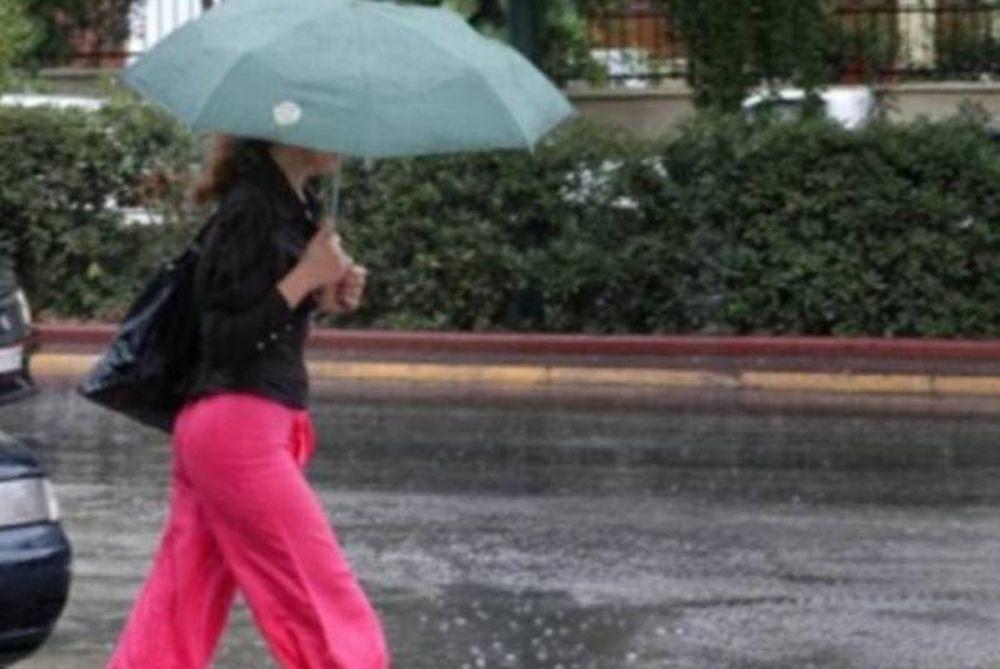 Βροχερό σκηνικό στη χώρα