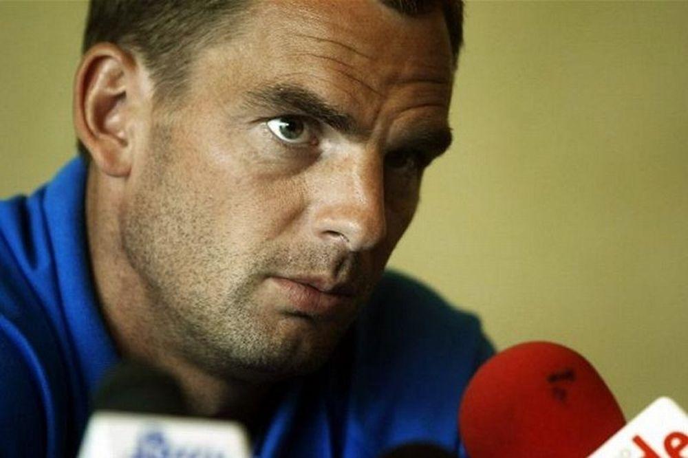 Ντε Μπουρ: «Πού είναι η UEFA;»