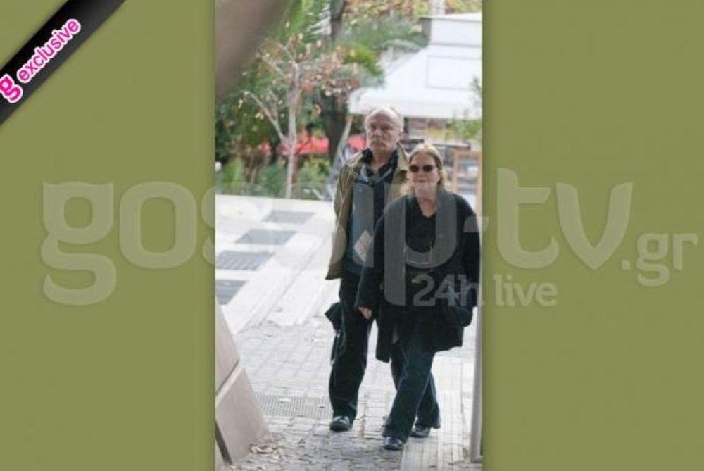 Ντίνος Καρύδης: Βόλτα με την σύζυγό του