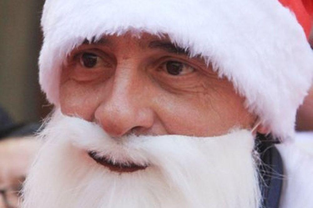 Santa… Πραντέλι!