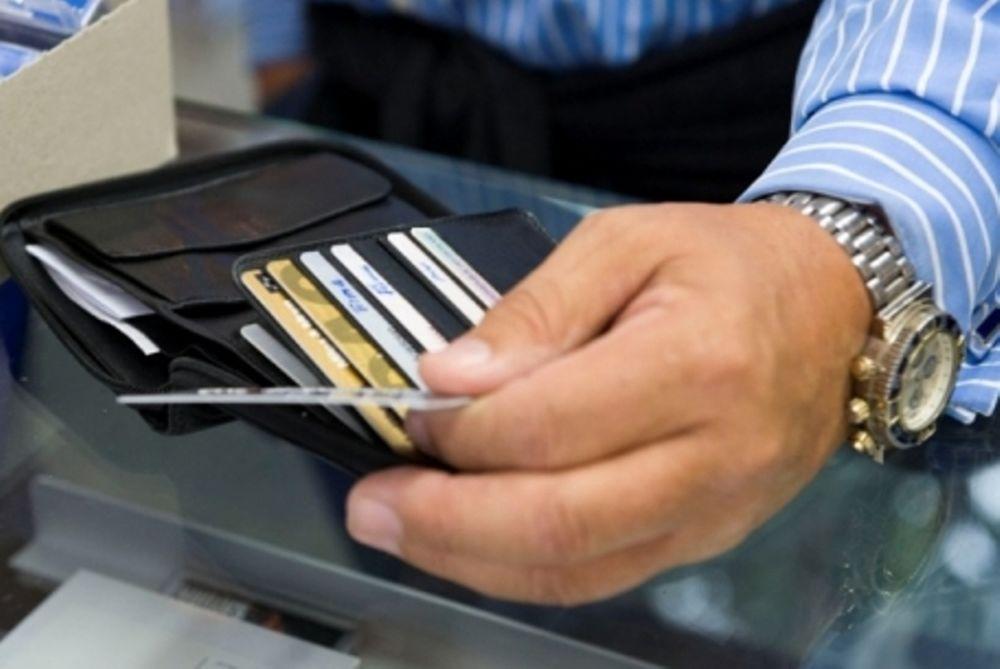 «Μπλόκο» σε ελληνικές πιστωτικές κάρτες