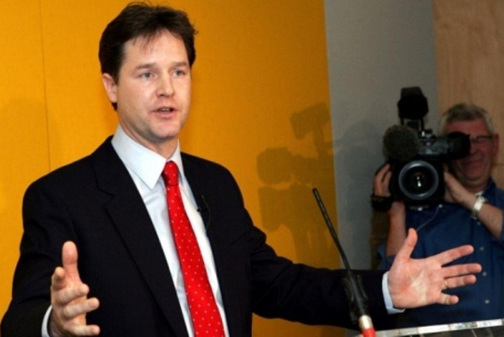Ενοχλημένη η Μεγάλη Βρετανία για δηλώσεις Γάλλων κυβερνητικών