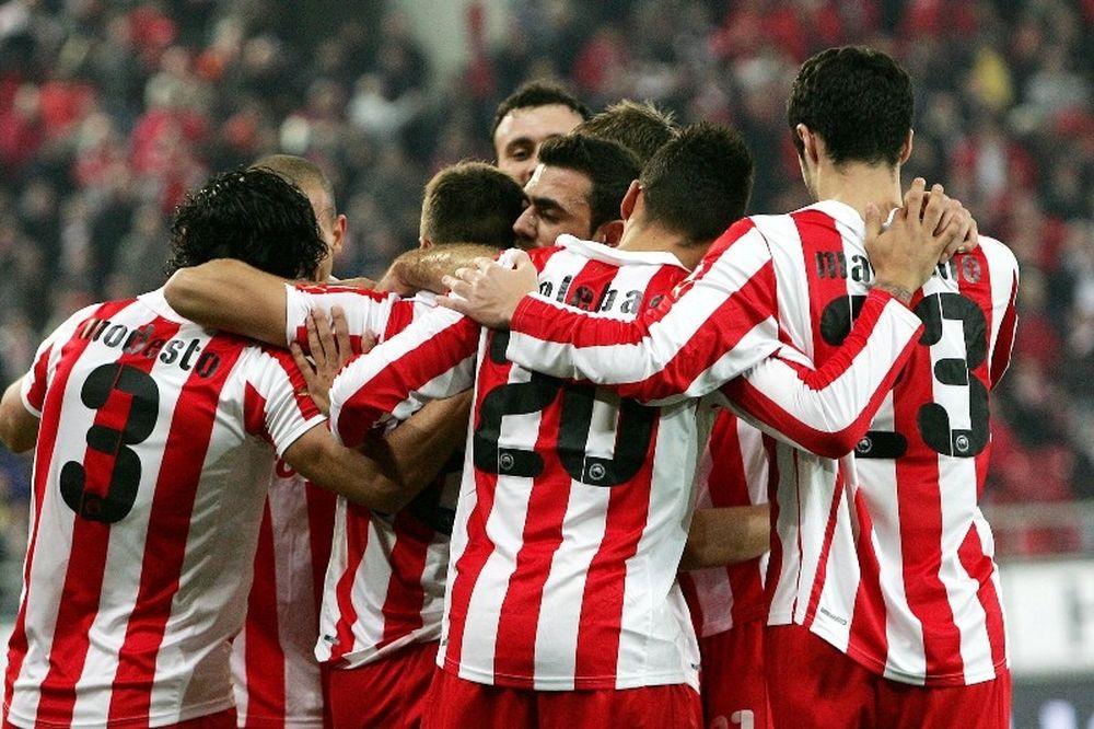 Έκλεισε το 2011 στην κορυφή ο Ολυμπιακός, 2-0 τον ΠΑΣ Γιάννινα (videos+photos)