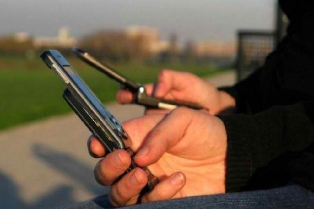 Οι χάκερς έχουν πρόσβαση σε πολλά κινητά