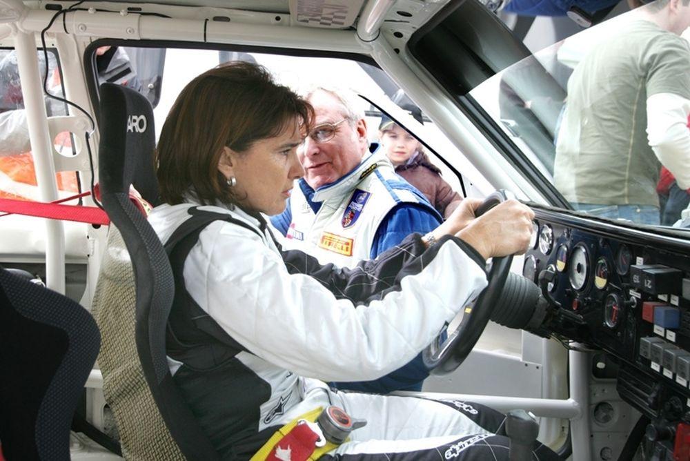 WRC: Η Μισέλ Μουτόν παρασημοφορείται