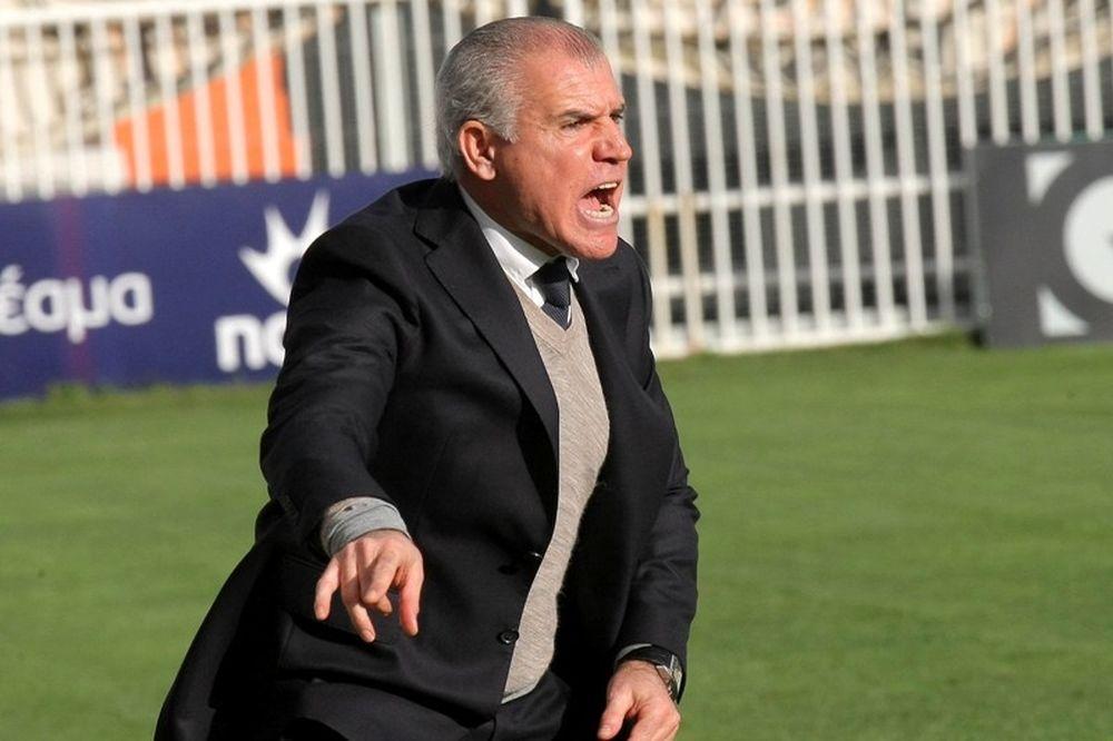 «Ασπίδα» Αναστόπουλου στους ποδοσφαιριστές