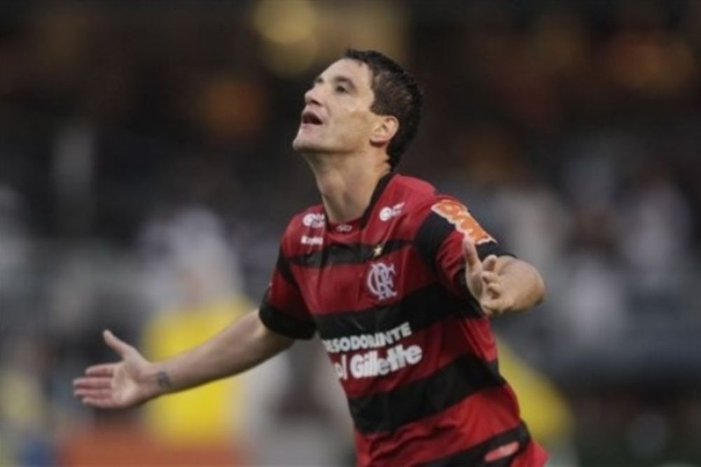 Μόνιμα στην Βραζιλία ο Τιάγκο Νέβες