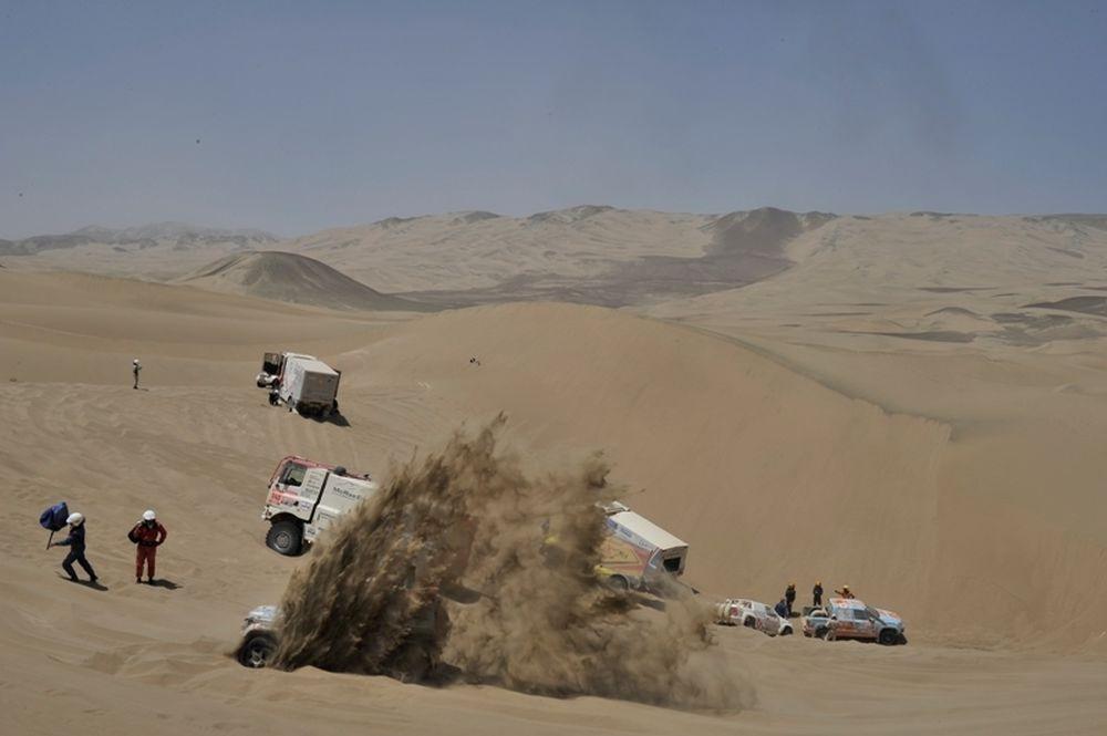 Ράλι Dakar 2011: Ντεπρέ και Πετερανσέλ ταξιδεύουν προς τη νίκη