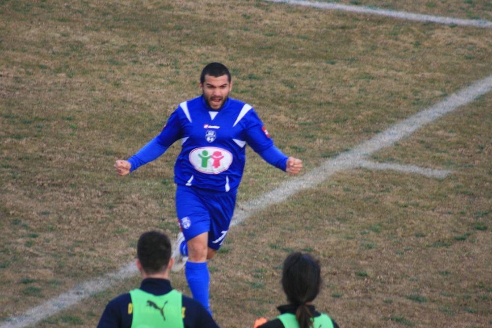 Σεμερτζίδης στο Onsports: «Στον Απόλλωνα νιώθεις ποδοσφαιριστής»