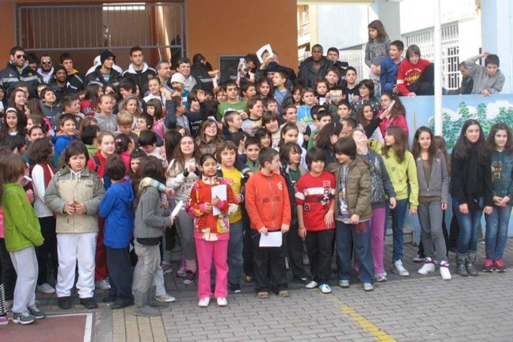 Κοντά στους μαθητές ο Ηλυσιακός (photos)