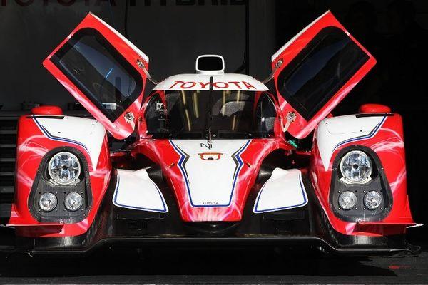 Δύο αυτοκίνητα για την Toyota στο Le Mans