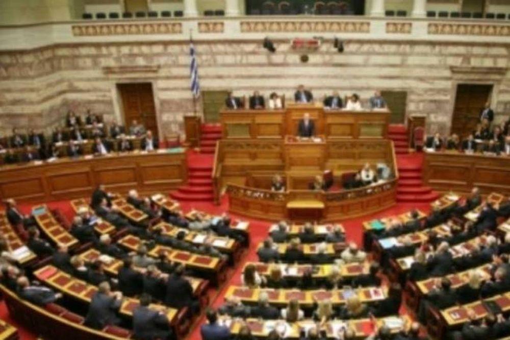 Ψηφίστηκαν οι συνταξιοδοτικές διατάξεις