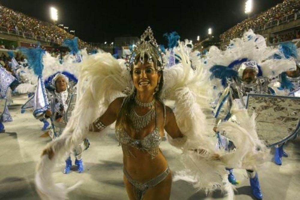 Στο καρναβάλι γδυθείτε αδειοδότηση της UEFA