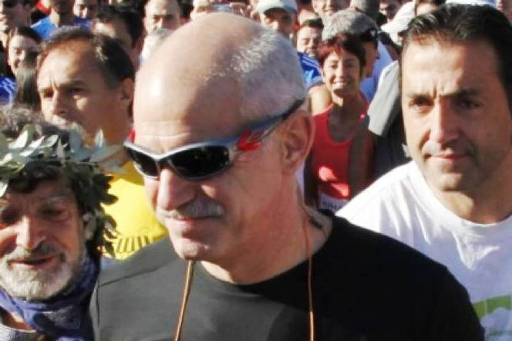 Με 2.500 ευρώ μηνιαίως αμείβεται ο γυμναστής του Παπανδρέου