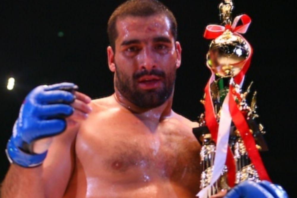 Μαχαιρώθηκε Βούλγαρος αήττητος μαχητής