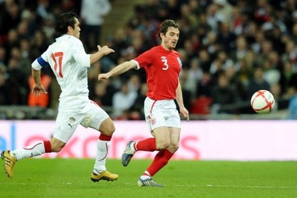 Euro 2012: Θέση βασικού θέλει ο Μπέινς