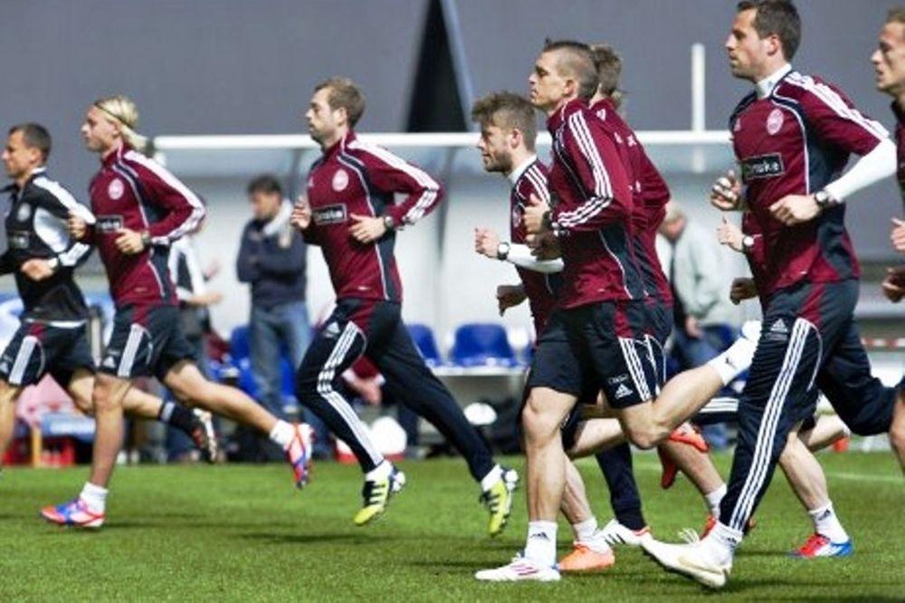 Euro 2012: Στα… βαθιά οι Δανοί