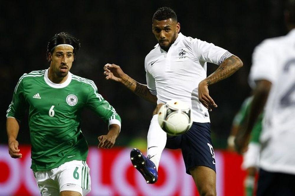 Euro 2012: Συγκεντρωμένος στη Γαλλία ο Εμβιλά