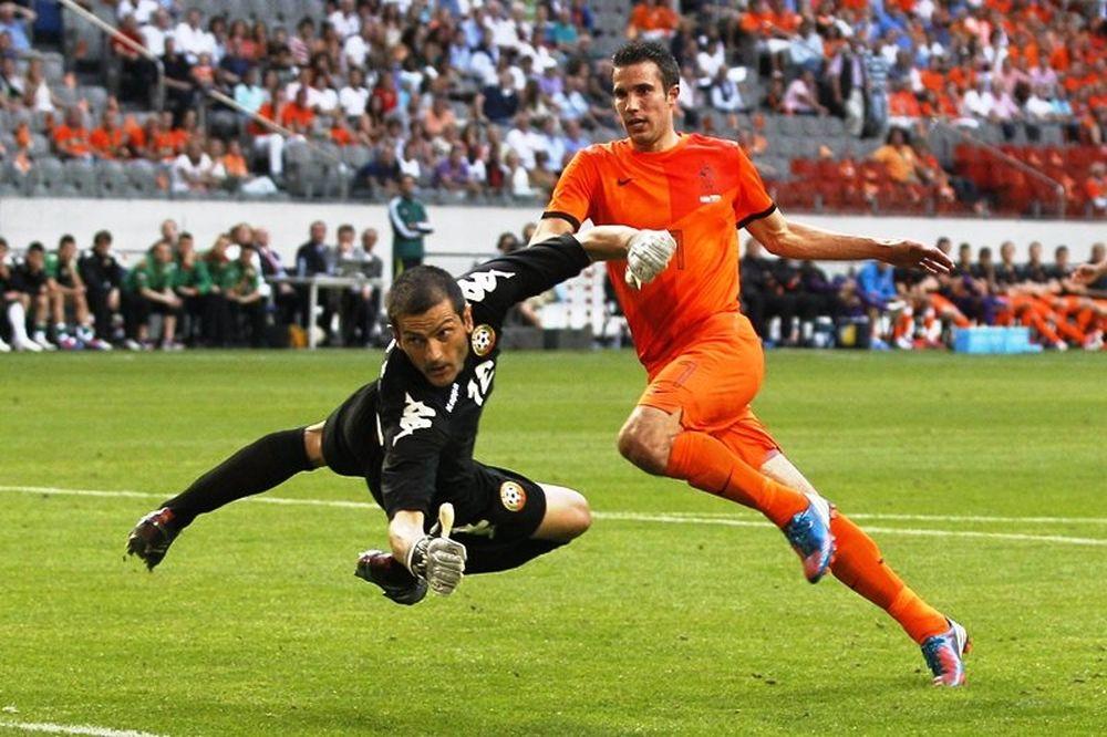 Euro 2012: Προβλημάτισε η Ολλανδία (photos+video)