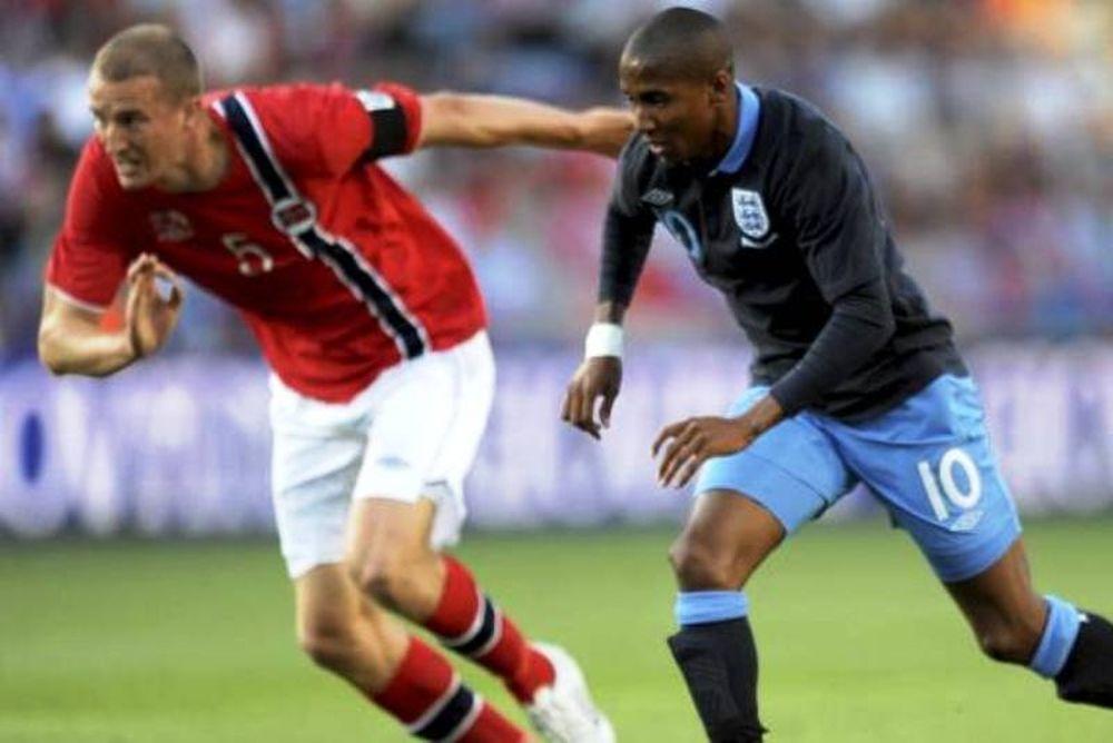 Euro 2012:  Νικηφόρο ντεμπούτο για Χόντγκσον (photos+video)