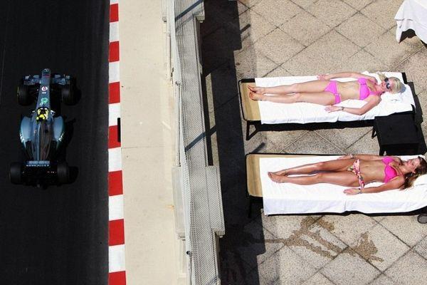 Μονακό: Καυτά κορίτσια, ήλιος, θάλασσα και F1... Σκέφτεστε τίποτα καλύτερο;