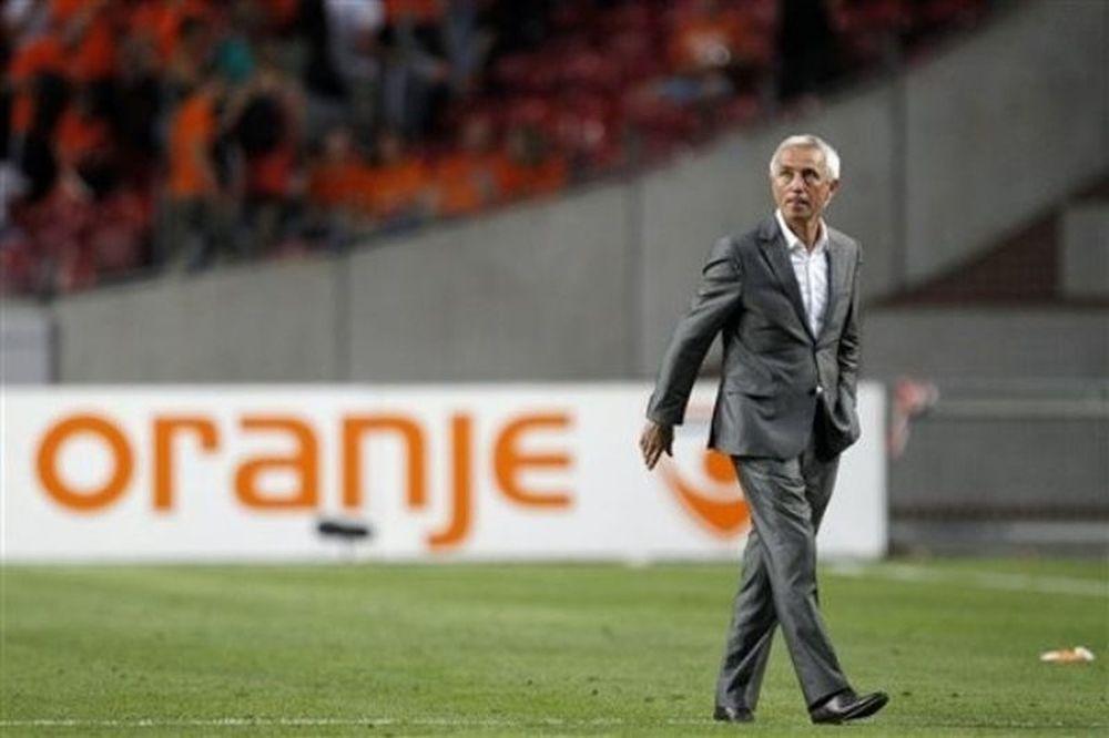 Euro 2012: Τα… έχωσε σε Χάιτινγκα ο Φαν Μάρβαϊκ!