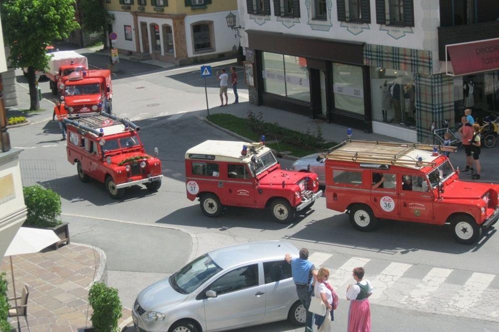 Παρέλαση πυροσβεστικών οχημάτων στο Κουφστάιν (photos+videos)