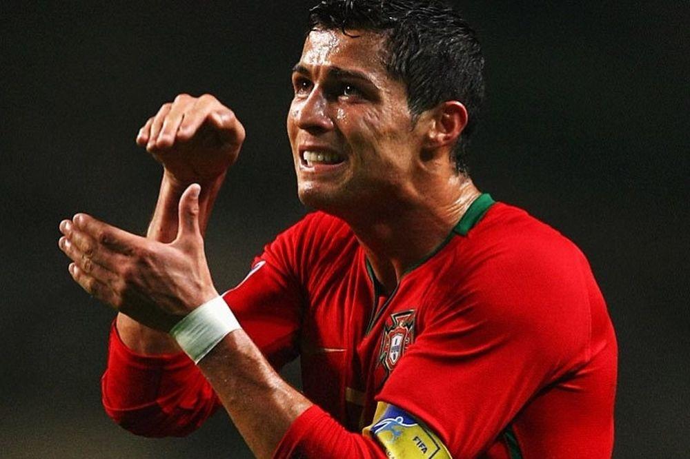 Ρονάλντο: «Καλύτερα που η Πορτογαλία δεν είναι φαβορί»