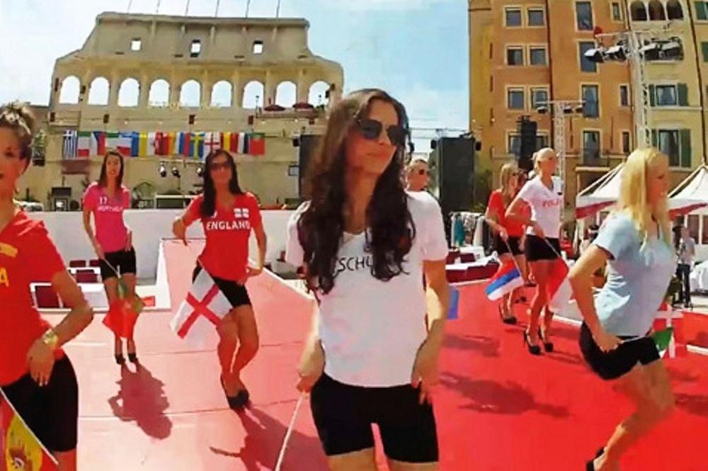 Euro 2012: Η πρόβα για τα καλλιστεία (video)
