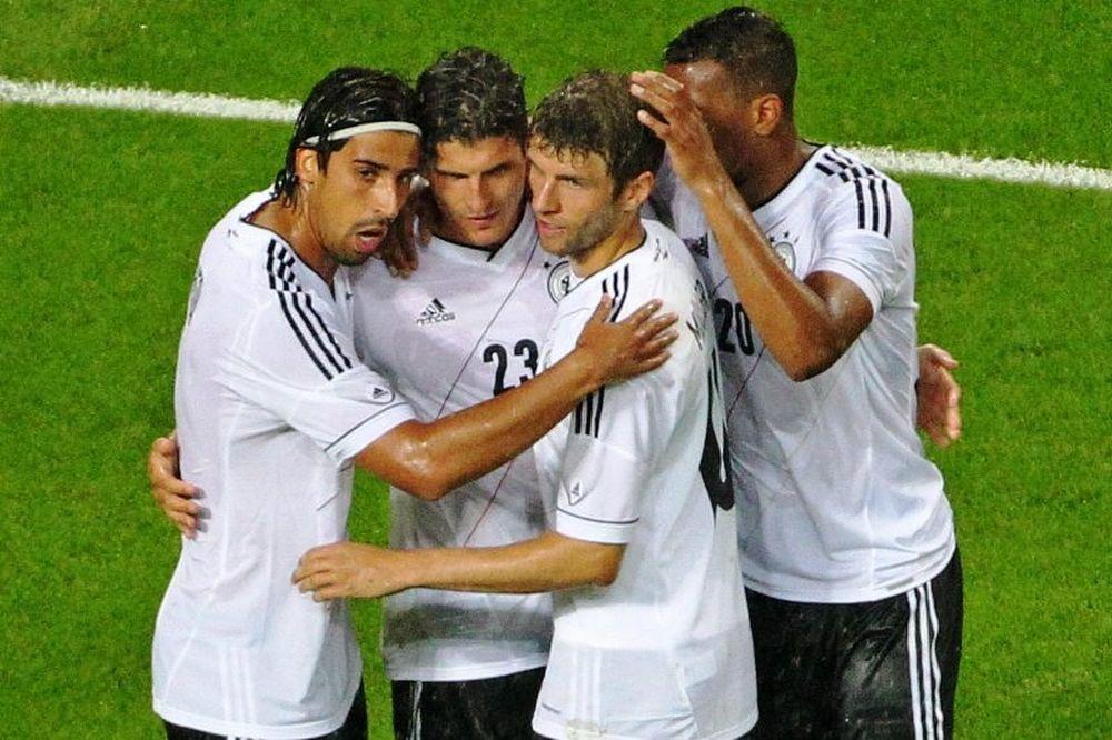 Euro 2012: Έδειξε βελτίωση η Γερμανία (photos+videos)
