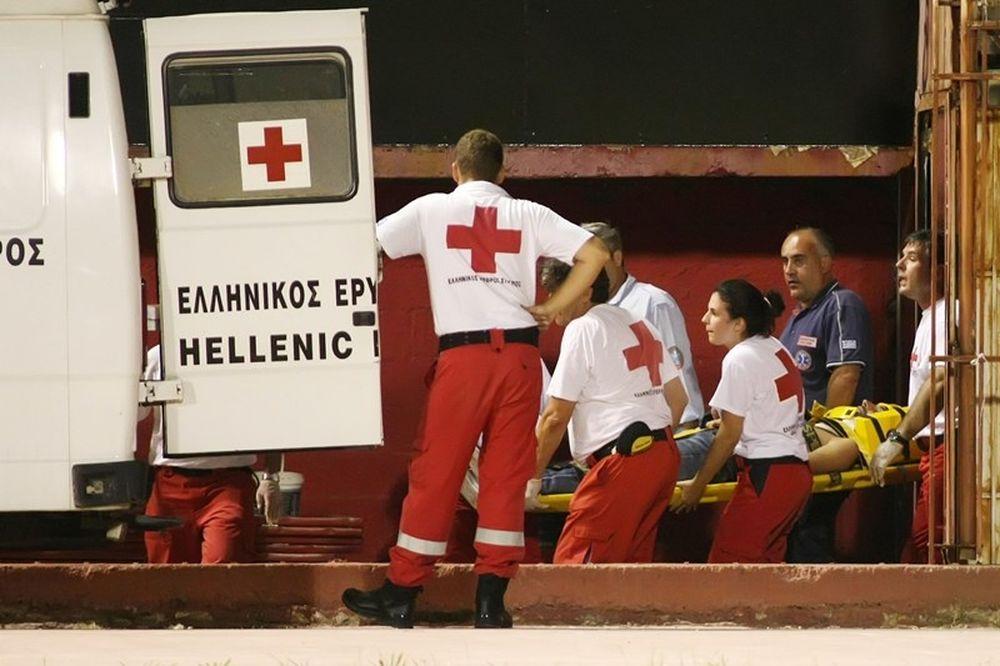 Σοβαρός τραυματισμός οπαδού της ΑΕΚ στην Αγυιά! (photos)