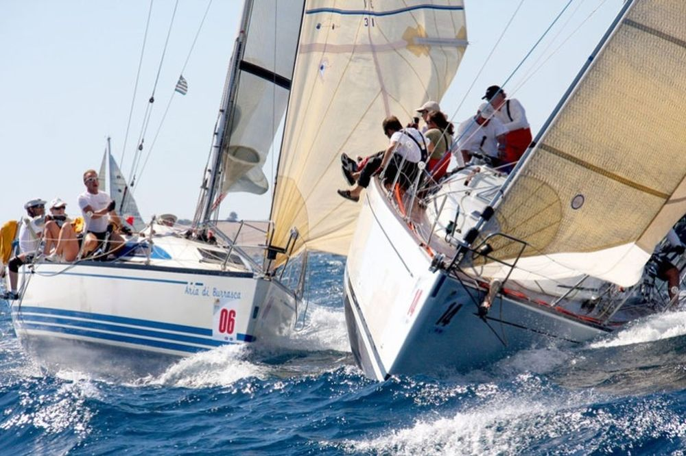 Με τη βοήθεια του… μελτεμιού ξεκίνησε η Aegean Regatta!