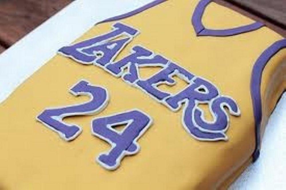 Η τούρτα-δώρο του Γκασόλ για τα γενέθλια του Κόμπι