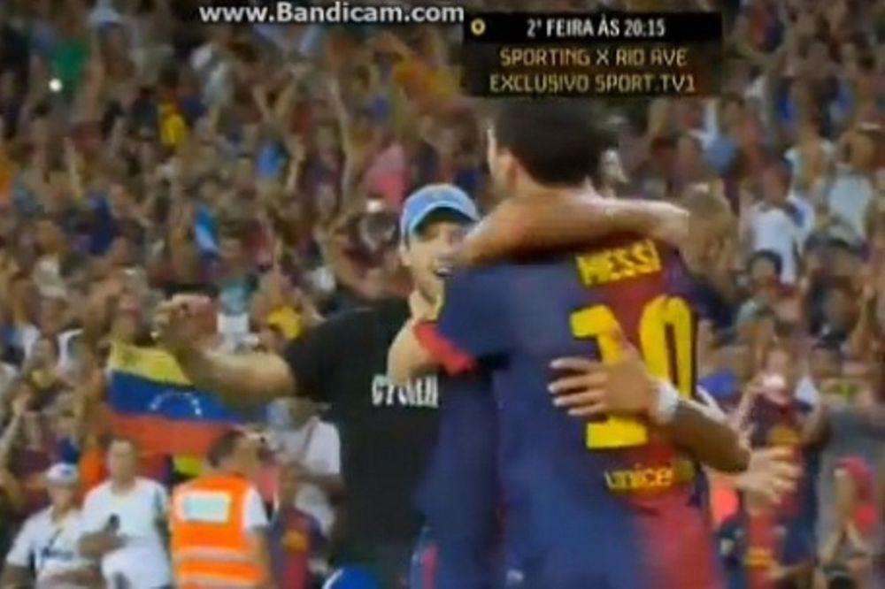 Το ντου οπαδού της Μπαρτσελόνα μετά το γκολ του Μέσι (video)