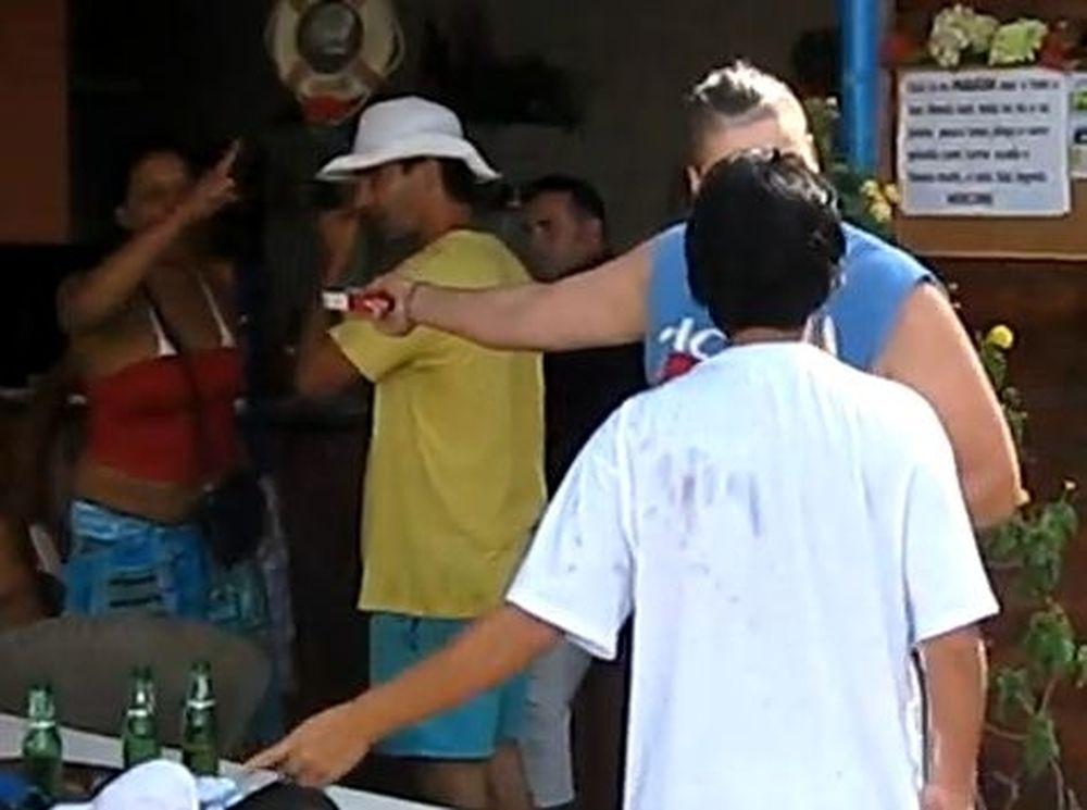 Βίντεο: Γυναικείος... τσαμπουκάς σε beach bar