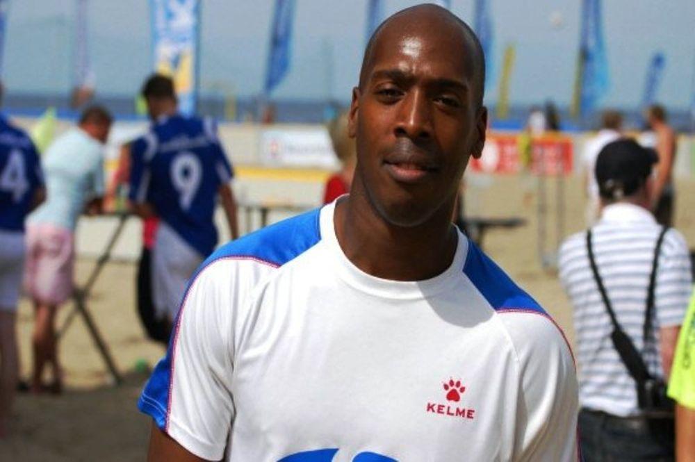 Γκολάρα στο beach soccer (video)